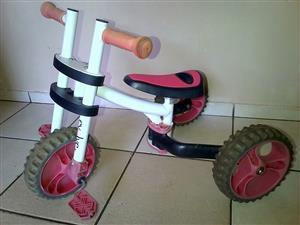 Ybike.Evolve 3 in 1 ride on balance bike. In good condition.