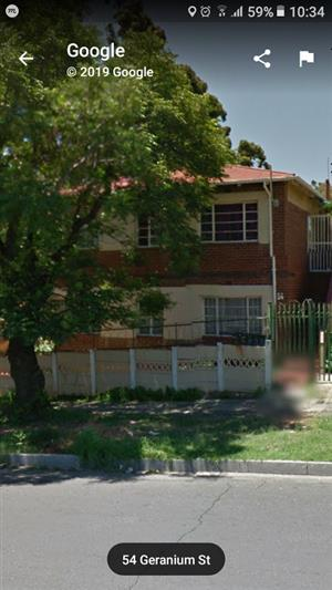Spacious 1 bed flats to rent in Rosettenville, Johannesburg South