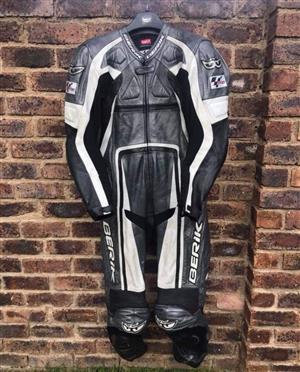 Berik 1 piece leathers size 58