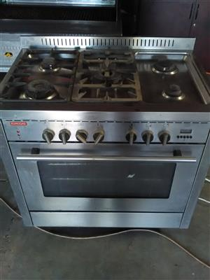 EuroGas 5 Plate Gas Burner - Electric Oven