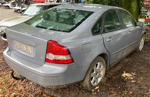 Volvo S40 2007 2.4lt stripping for spares