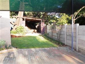 Garden cottage to rent in Meyerspark