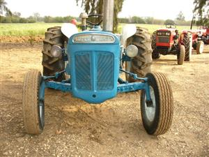 3 and 4 cylinder diesel tractors  for Africa