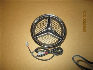 MERCEDES W204 LED BADGE
