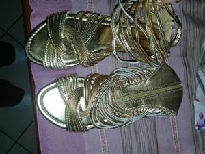 Golden sandal boots with zip