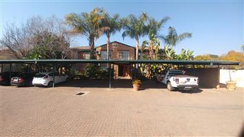 Neat spacious Bachelors apartment for rental in Rietfontein Moot