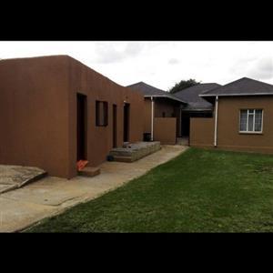 Room to Rent Primrose area