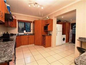 Ballito secure fully furnished 3bed home. Pet friendly. Available 1 june
