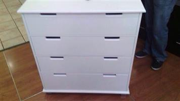 Chest of Drawers. Item Code: KY 03 Price: R1999,00