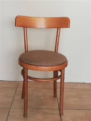 Solid oak wood. Bentwood chairs x8