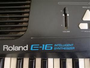 Roland E-16 Intelligent synthesizer