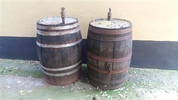 2x wine Barrels