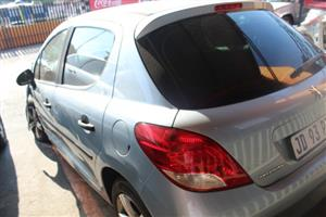 We are stripping Peugeot 207 1.4 Urban