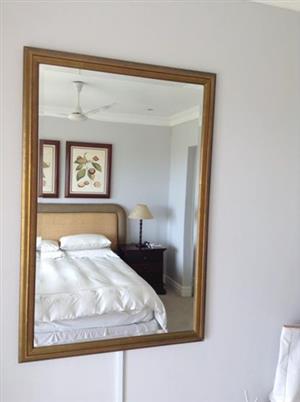 Beveled mirror in Matt gold frame