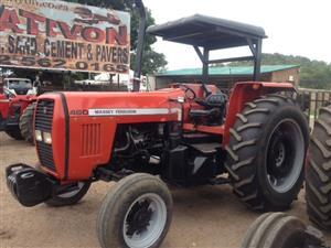 Red Massey Ferguson (MF) 460 78kW/105Hp 2x4