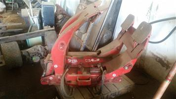 Bobcat skidsteer drum clamp