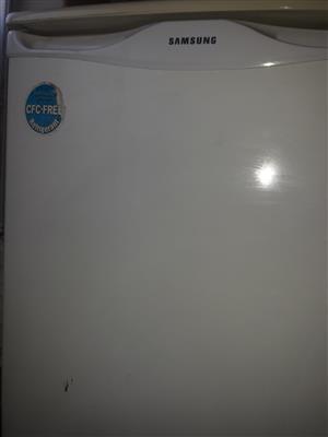 Samsung white bar fridge 113 liter Pretoria Moot