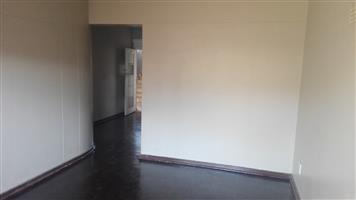 Edenvale 2bedroomed flat to let on Van Riebeeck Avenue bathroom, kitchen and lounge Rental R5000