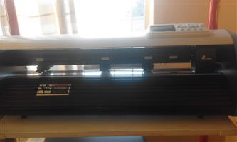 LIKE NEW VINYL CUTTER 700MM WITH SD CARD