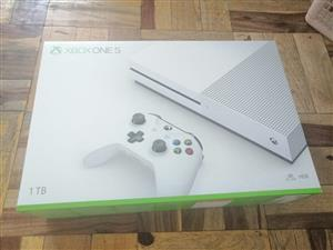 X box one s 1 tb 1 controller all brand new and sealed