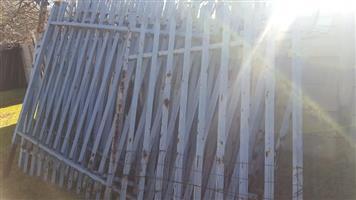 Palasade. 2m highx3m panels.3mm thick x20