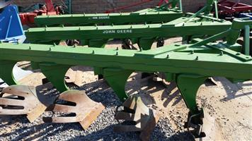 John Deere 4 Furrow Beam Plough / Balk Ploeg Pre-Owned Implement