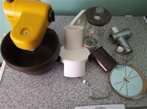 Domestic cake mixer and dough mixer combination