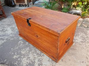 Antique Oregon Pine Kist (985x520x530)