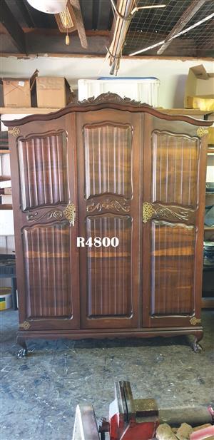 Classique Imbuia 3 Door Wardrobe (1520x610x2100)