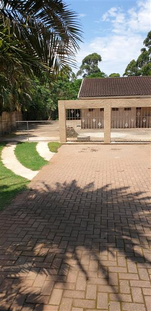 3 Bed house in Winston Park on shared property to rent.
