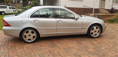 2003 Mercedes Benz 180D