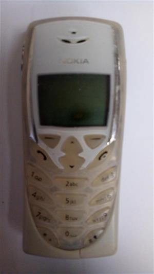 Nokia 8310 - Cellphone x 2
