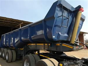 Not to be missed! 2013 Top Trailer Tri Axle Back end Tripper!