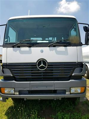 2003 Mercedes-Benz Atego 2528 tag axle dropside truck