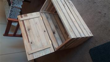 Wooden crate kist for storage and seating redudec to R360