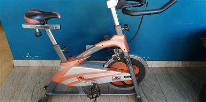 Body Sculpture Spinning Bike