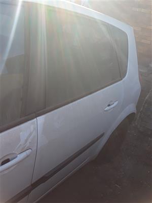 2007 Renault Scenic left rear door