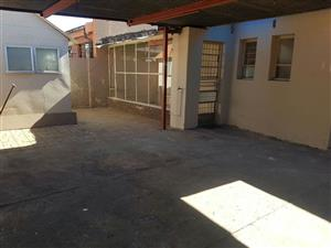 Rosettenville 3bedroomed house to rent for R6500