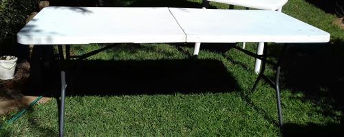 Large Fold-Up white Table