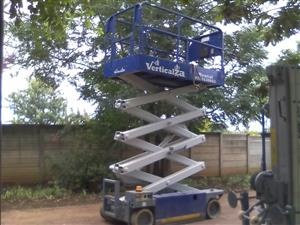 VerticalZA Scissor Lift MEC 2647ES - 10m Electrical cherry picker  Manlift