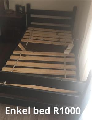 Hout enkel bed frame te koop