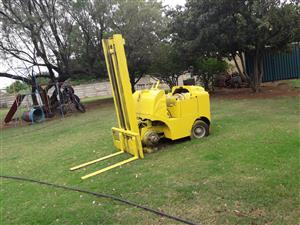 1968 Towmotor (CAT) Flat engine Forklift for sale