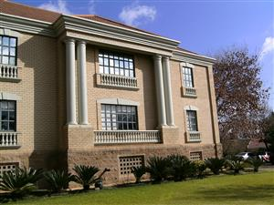 606m² Office Suite To Let in Houghton Johannesburg