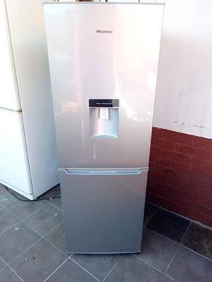 Hienses silver fridge with water dispenser like new