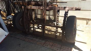 Two 1.5m axles with breaks for sale