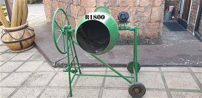 Back of 50 Lt Electric Concrete Mixer