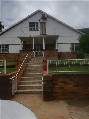 BIG FAMILY 4 BEDROOOM HOME WITH EXTRA  2 BEDROOM FLAT FOR PARENTS OVER-VIEWING PRETORIA