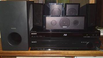 Sony Surround sound (5 speakers en sub) met bluray speler