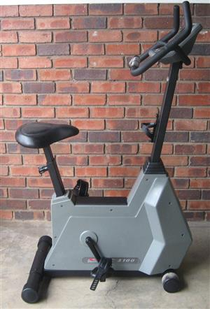Johnson JPC 5100 exercise bike