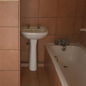 2 Bedroom flat avalible